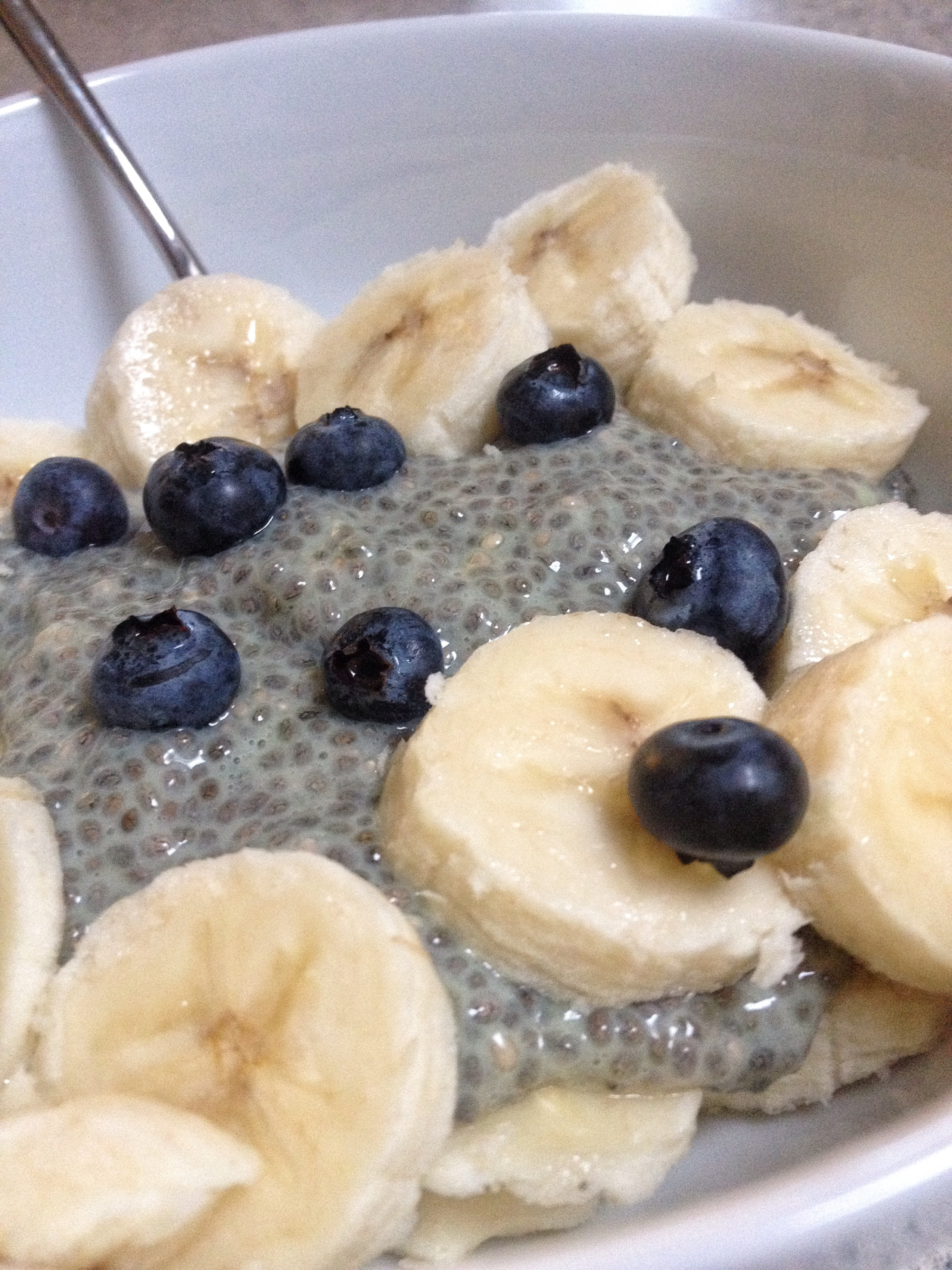 chia-seed-pudding-lemon-blueberry-banana-clean-eating-breakfast